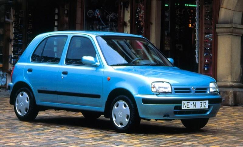 回想90年代,台灣人愛房車愛到連Nissan March與Ford Festiva都要加上一截尾巴成為小型房車。