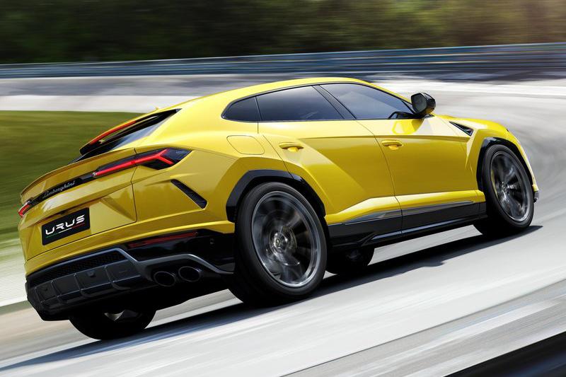 0-100km/h加速3.6秒,輕鬆抹掉Porsche Cayenne Turbo的紀錄。