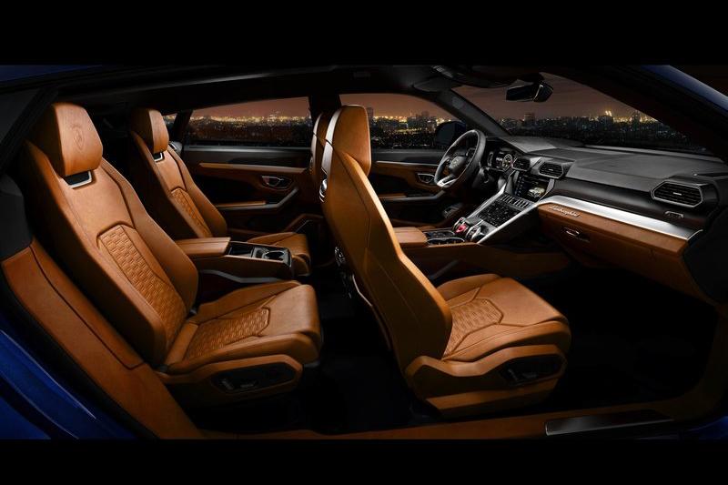 這或許是Lamborghini所出品的車款中最舒適的座艙了吧?