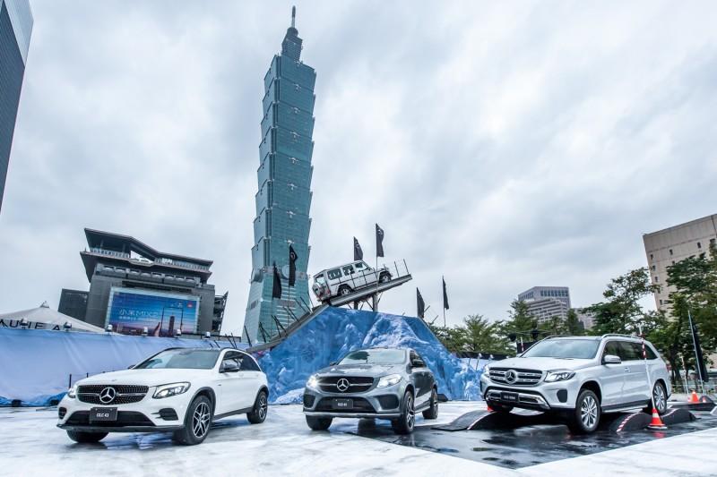 重金打造國際級越野體驗規格空降台北,展現Mercedes-Benz 休旅家族一脈相承的傑出操駕性能。