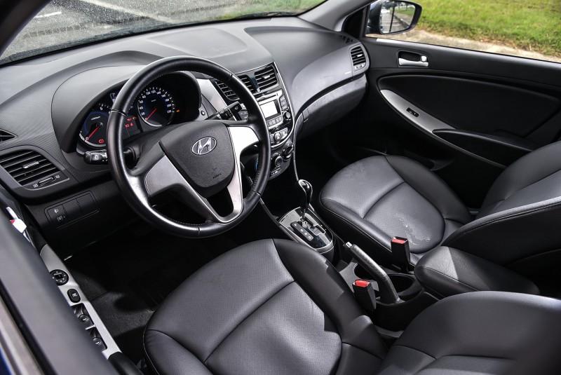 高規車型方向盤更多出控制按鍵,還有按鈕啟動呢