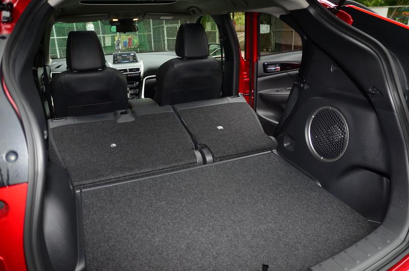 6/4分離後座椅打平後平整的空間對實用性大大加分!