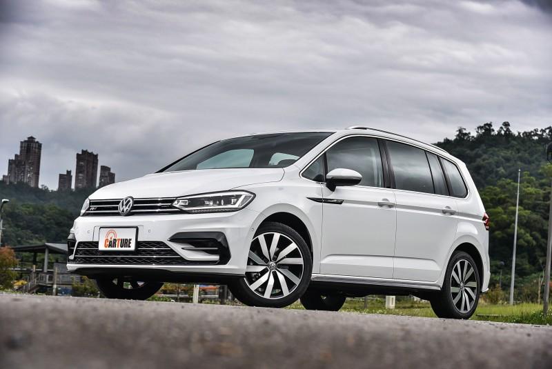 Volkswagen在今年陸續為旗下車款追加R-Line車型,好用好開也更好看