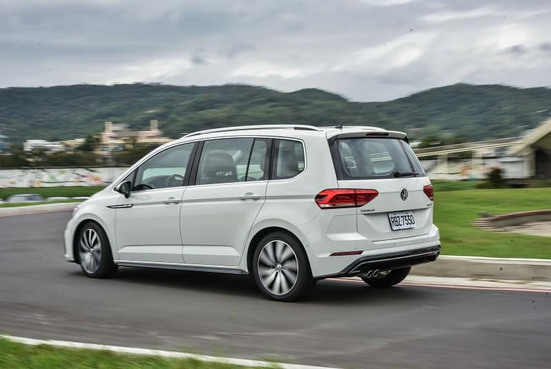 VAGVolkswagen在國內的三個中只有Volkswagen生產大中小三尺寸MPV車型,根本獨家啊