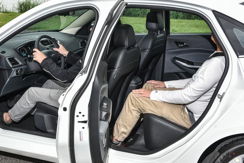 經過實測,當天測試包含Hyundai Verna、Peugeot 301等車型,Escort為空間表現最佳者。