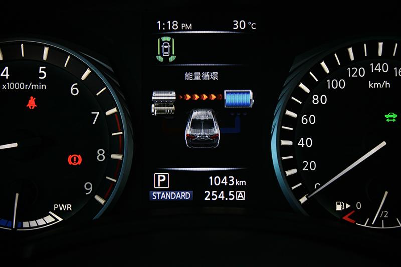 Q50S Hybrid的油電複合動力系統設計概念,其實更近似於當今F1上頭的KERS動能回收裝置,主要用意在於強化動力而非僅針對節能而已。