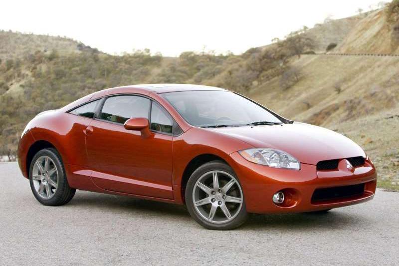 第四代Eclipse高等級版本搭載了3.8升V6引擎。