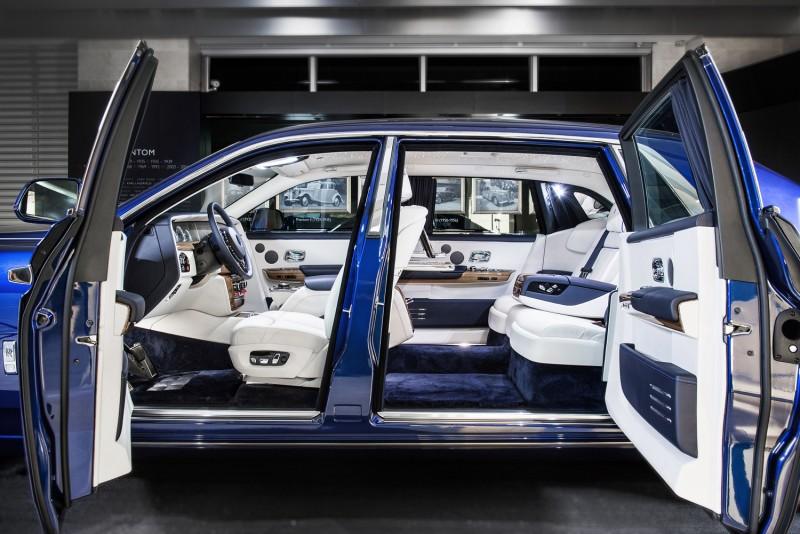 全新Phantom採用最名貴的新穎材料,進入車室宛如進入豪華飯店的頂級套房一般。