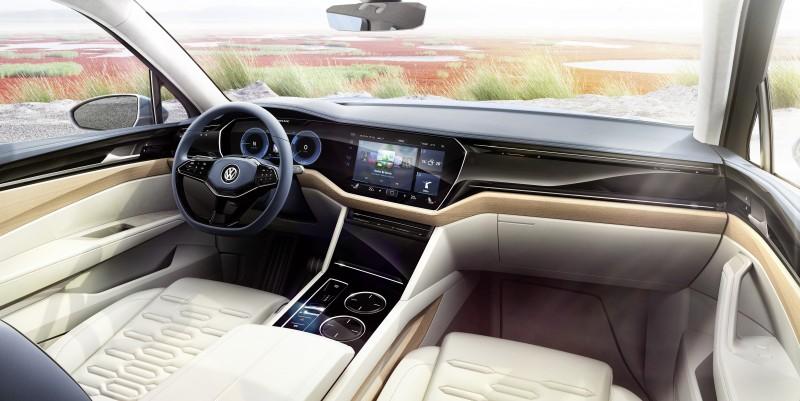 環艙實木飾板讓車內氛圍更溫暖典雅