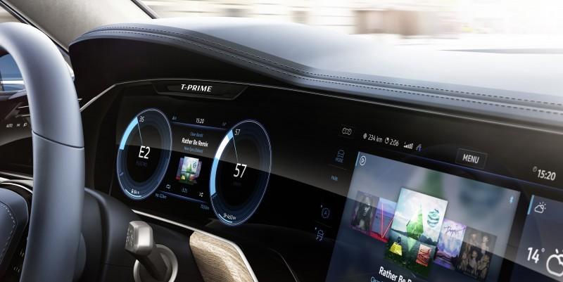 全數位儀錶/中控螢幕一體化的高規設計質感已是雙B水準