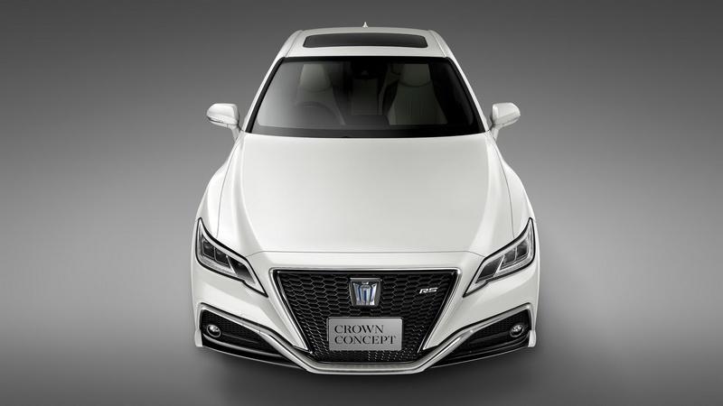 Toyota於2017年東京車展展出之Crown Concept