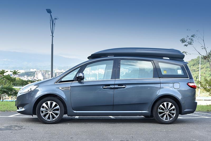 基本上V7 Turbo Eco Hyper屬於福祉車範疇,若有載運使用輪椅的長者,再適合也不過。