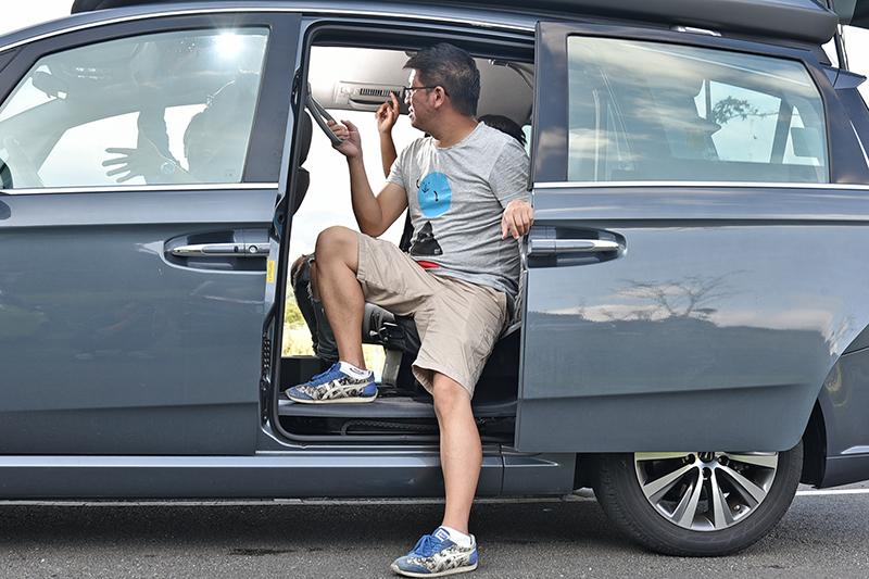 因車型設計不同,V7 Turbo Eco Hyper是底板離地最高的,對於膝關節不好的長者來說較為吃力。