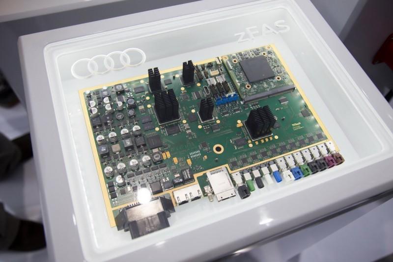 2014年CES,雙方發表能夠整合運算自動駕駛所需的zFAS中央運算模組,整體的尺吋幾乎等同於一台i pad大小,而這也是Audi得以將自動駕駛車輛量產的一個重要契機。