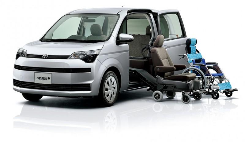 日本當地市場的社福車連副駕都能電動,機能更為完備