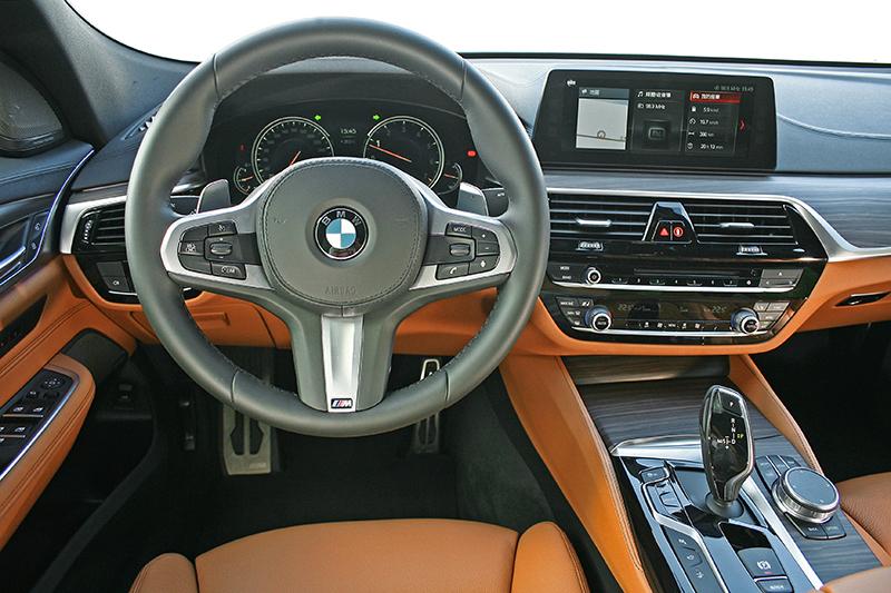一如新世代BMW,630i Gran Turismo中控台相當細緻漂亮。
