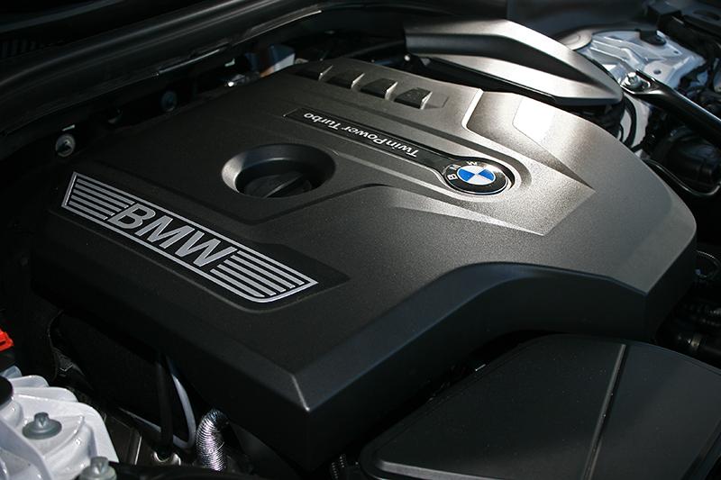 可輸出258hp與40.8kg-m的2.0升渦輪增壓引擎,表現很難讓人挑惕。