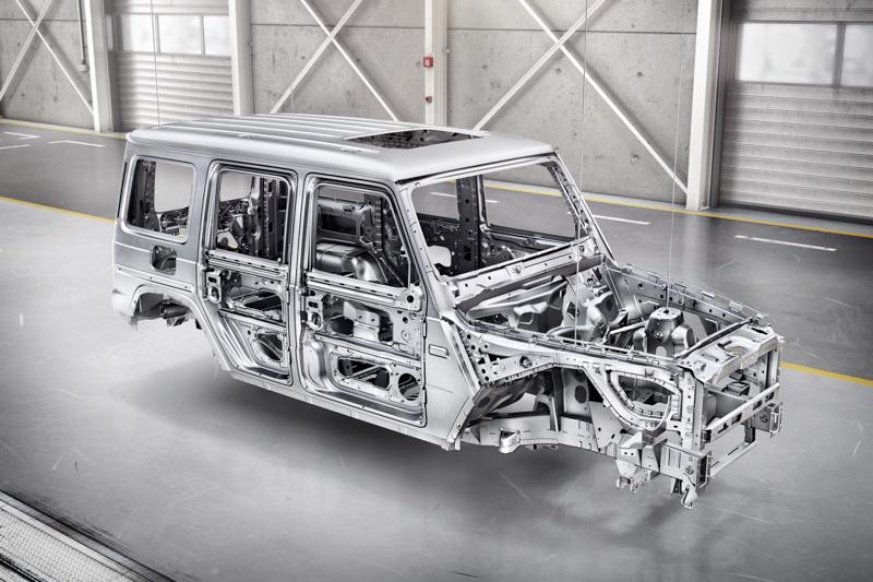 車體部分大部分採用高強度鋼材,並針對如引擎蓋、葉子板與車門等處採用鋁合金材質,讓車重足足較前一代減輕170kg。