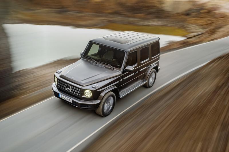 首波登場的G500車型搭載4.0升V8雙渦輪增壓汽油引擎,具備422hp最大馬力與610Nm峰值扭力,銜接全新配置的9G-Tronic變速系統。