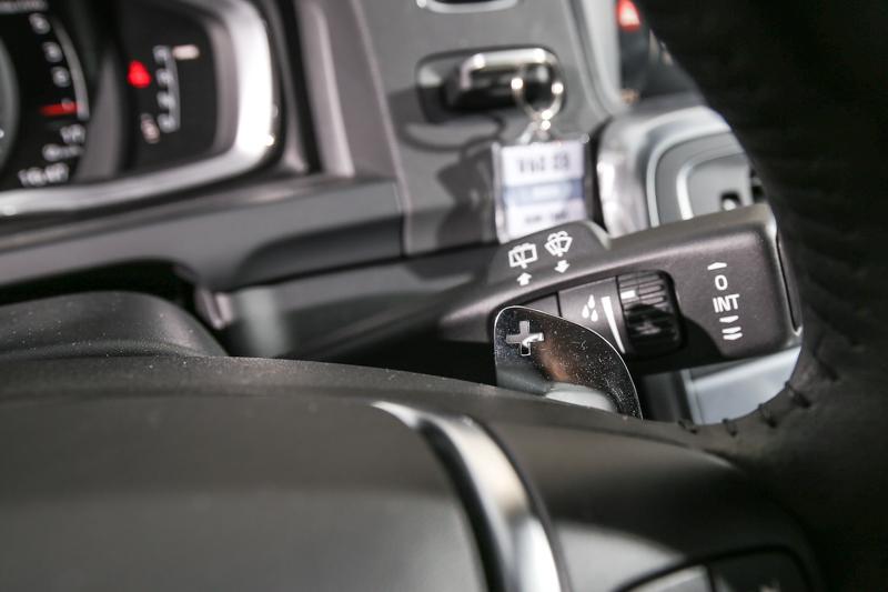 安全旗艦版配備有換檔撥片,添增駕馭樂趣。