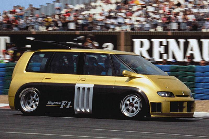 1994年發表的Renault Espace F1搭載F1賽車引擎,史上最快廂型車頭銜當之無愧。