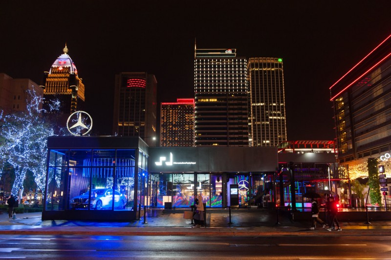 #MercedesBenzPopUpTaipei最終變身螢光party,完美謝幕。