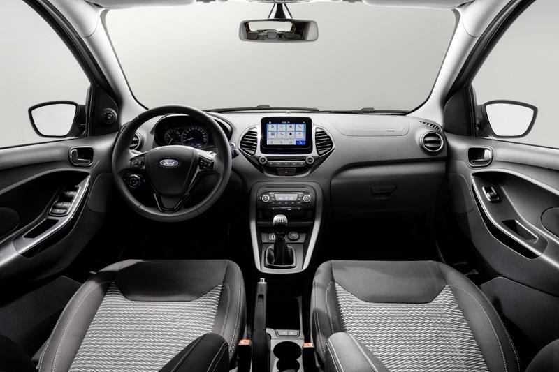 座艙內的進化以配色、飾板材質與SYNC3導入為主。
