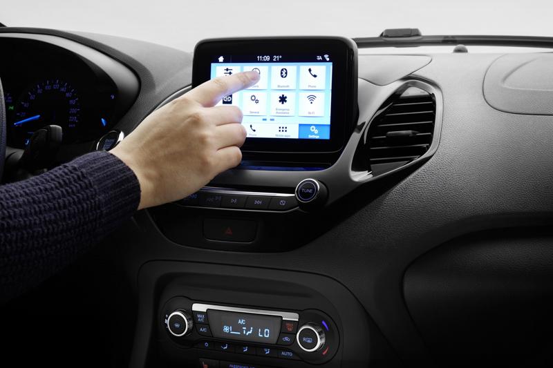 中控臺換上了SYNC3車載資訊平台,整合6.5吋觸控螢幕,導入Android Auto與Apple Car Play系統。