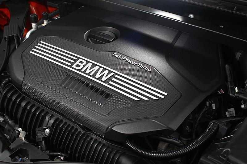 2.0升直列四缸渦輪增壓汽油引擎可輸出192hp與28.6kg-m峰值動能。