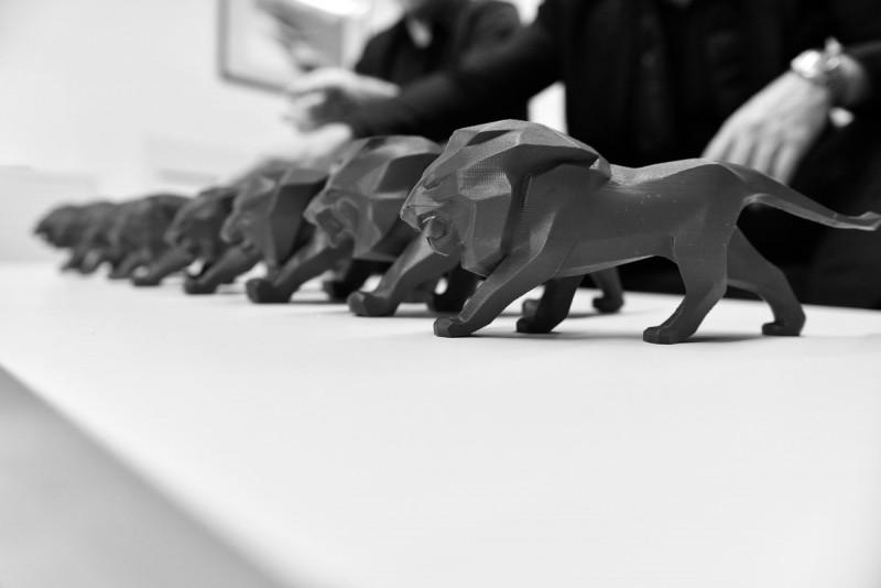 縮小版(原型)獅子其實更可愛啊!看樣子原廠精品應該能買到