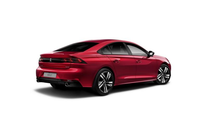 從車尾看全新Peugeot 508線條更美,508 GT以及508 GT Line採用運動化的圓形鍍鉻尾飾管