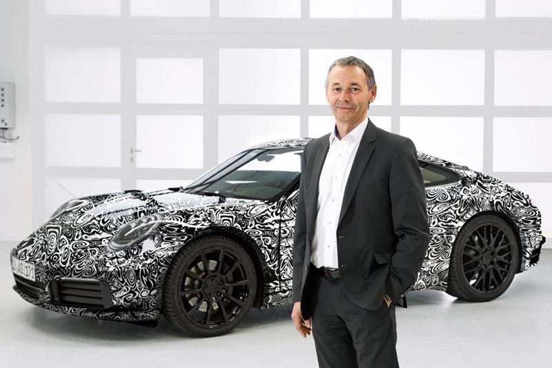全新911產品擔當August Achleitner確定,992將會具備Hybrid油電複合動力車型。