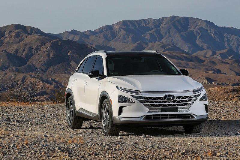 這是Hyundai Nexo,看著它的車頭就能理解Le Fil Rouge Concept對於未來Hyundai的重要性了吧?