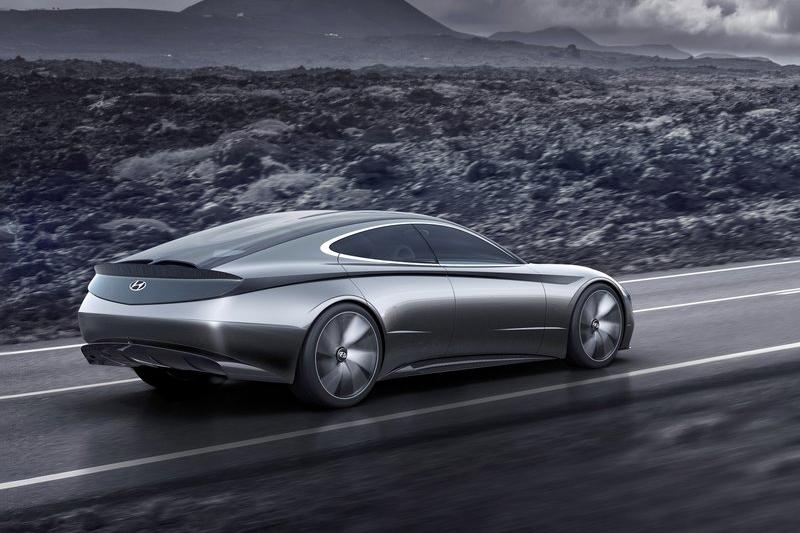 原廠稱之為「共同點」,就是想要Le Fil Rouge Concept擔負起承先啟後繼往開來的任務。