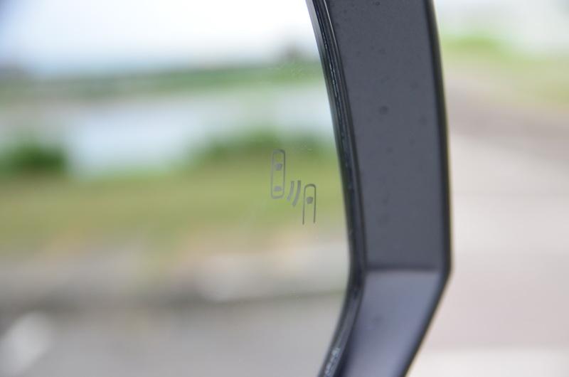 小改款加入了BSM盲點偵測系統及RCAT後方車側警示系統