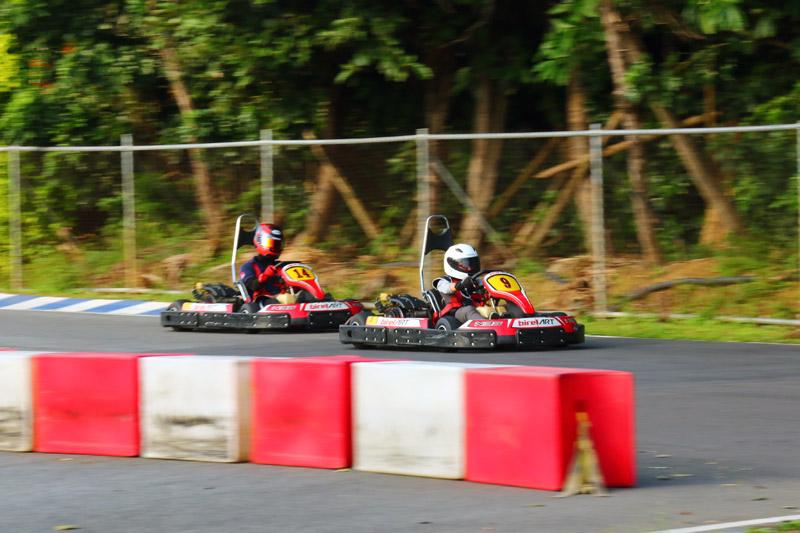 全場最年輕的參賽者翁浩翔,年僅9歲,上場時剛好也駕駛著9號車。