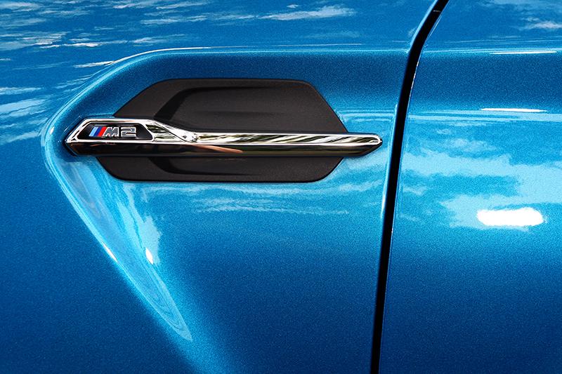前葉子板上設有散熱孔外加車標,未來類似的改裝品勢必充斥市場。