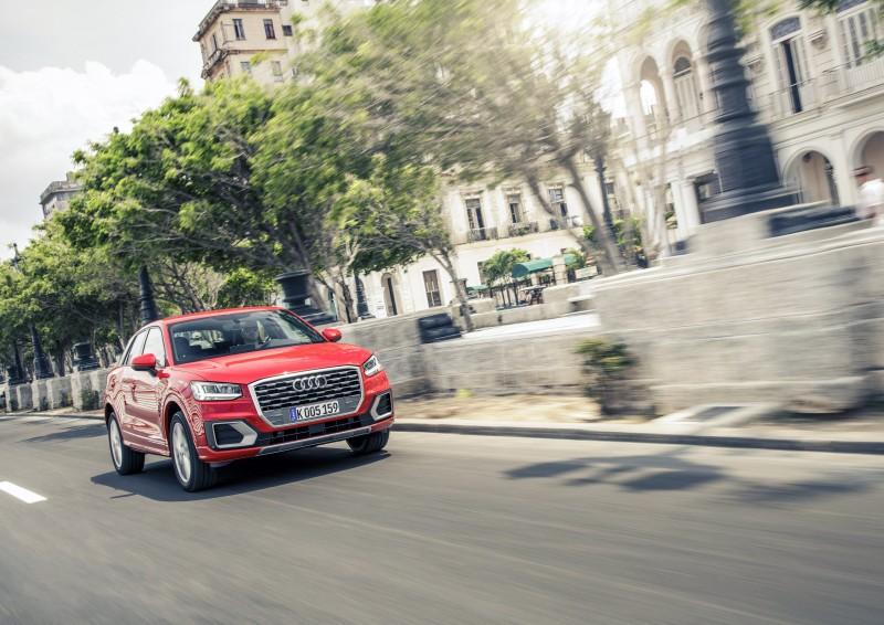 購買Audi Q2 與Q3 車型可享有100萬0%零利率購車優惠、 一年乙式保險及五年原廠保固。