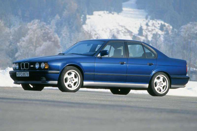 第二代E34 M5(1988年)
