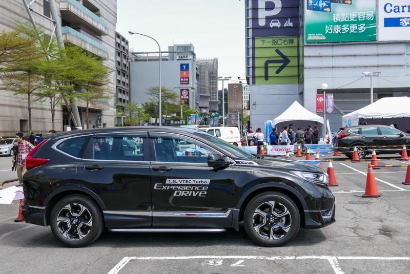 累積了超過20萬車主口碑的SUV,搭載Honda Sensing輔助系統的CR-V是當紅車型