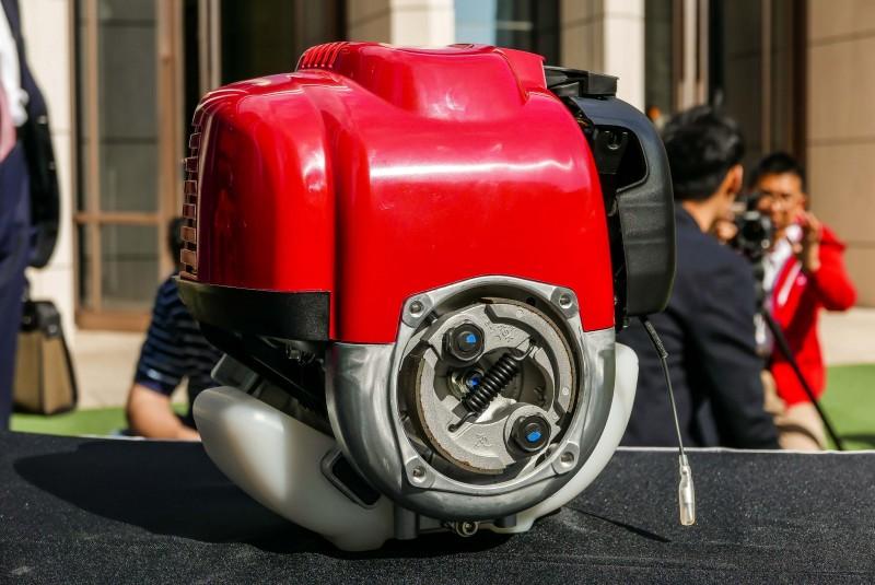 輸出軸具備離心式離合器接口,可配合轉速輸出或切開動力