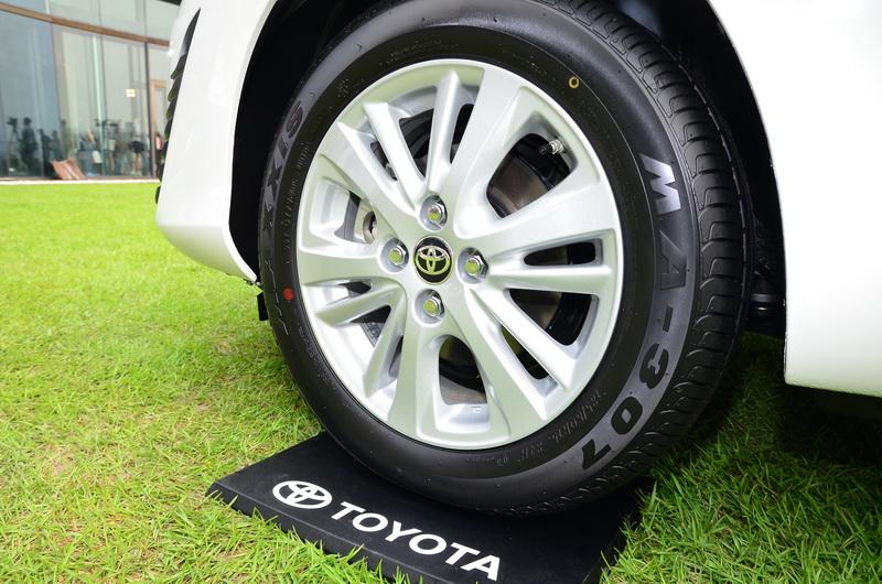 多幅式輪圈造型讓車側多添一分動感氛圍