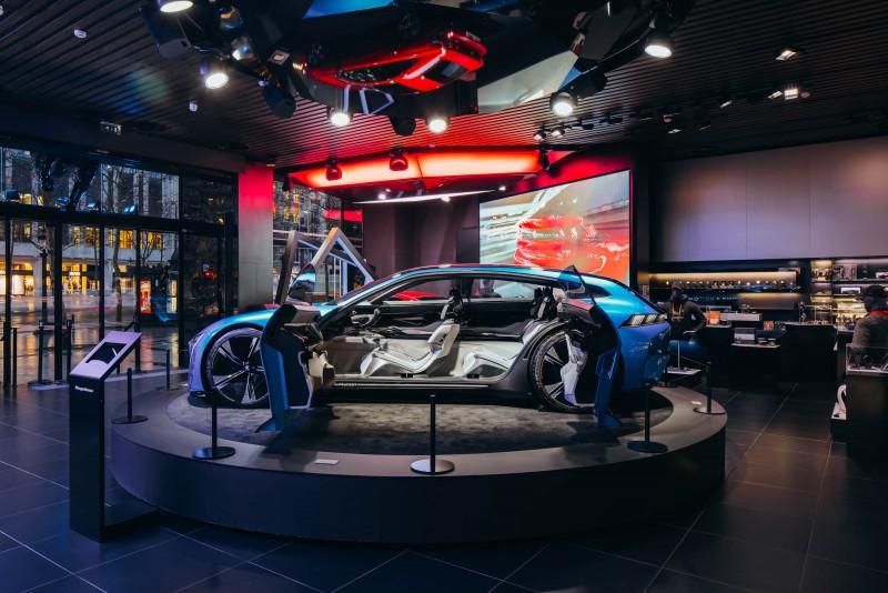 Peugeot Instinct Concept的車尾也能看出未來508SW模樣