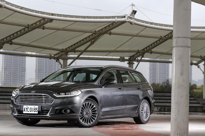針對台灣近年來新興的旅行車市場,Ford推出Mondeo Wagon對應。