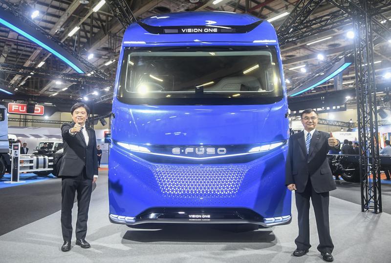 FUSO國內總代理台灣戴姆勒亞洲商車股份有限公司(DTAT)以本屆最大展區之姿參展,更首度展示造價近億台幣的Vision One純電概念重卡。