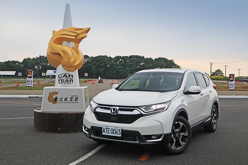最終由第五代CR-V以三票之差險勝Suzuki Swift,拿下2018年度風雲車寶座。