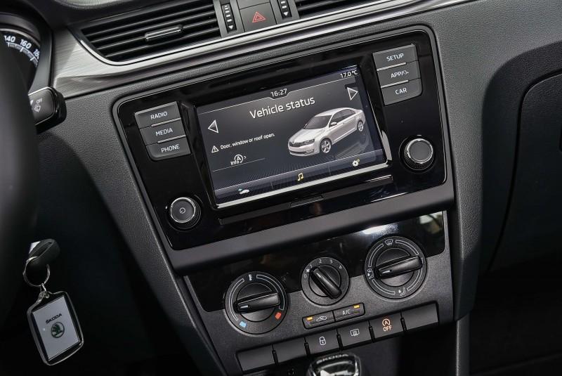 6.5吋彩色MIB多媒體娛樂系統讓車上成員都有更精緻享受。