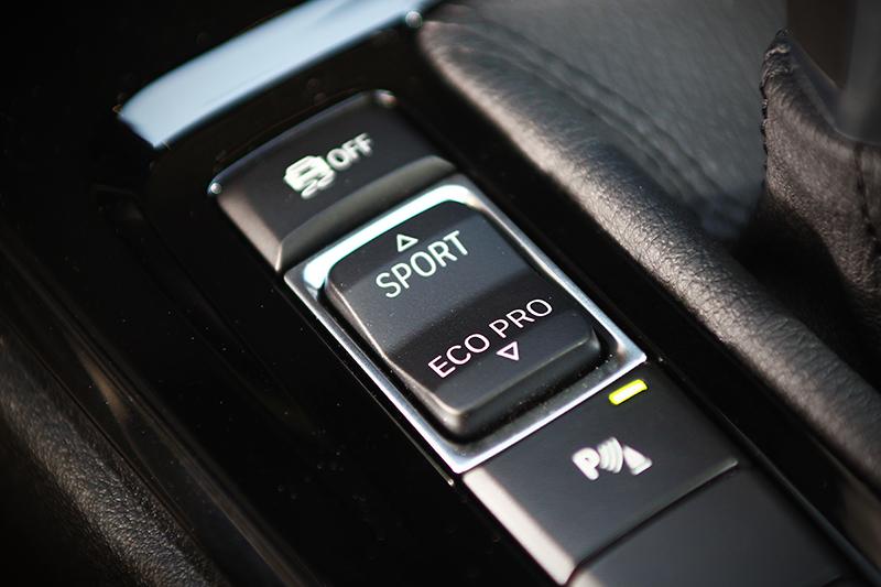駕馭模式控鍵一按,隨即給你不同個性的X2。