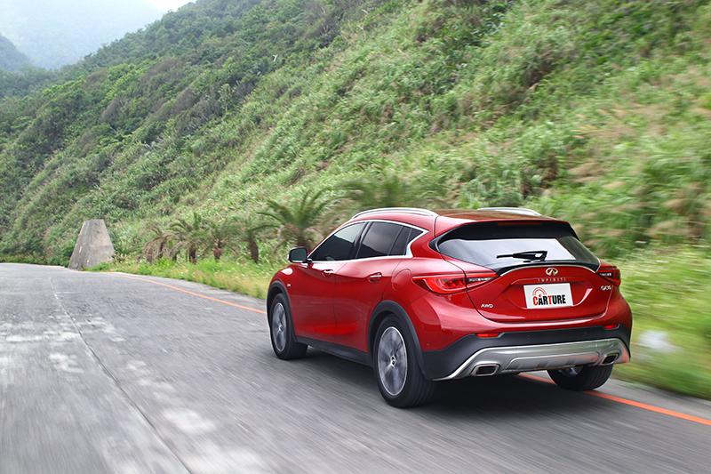 無論輪胎滾動聲、外界噪音、碎震處理以及制震表現全都位處中小型豪華品牌車款中的高標水準。