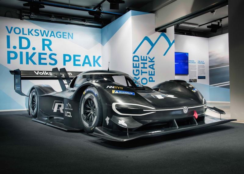 Volkswagen 賽事部門攜手技術研發單位,針對賽事環境量身打造 I.D. R Pikes Peak,矢志打破該組別於2016年所創下8分57.118秒紀錄。